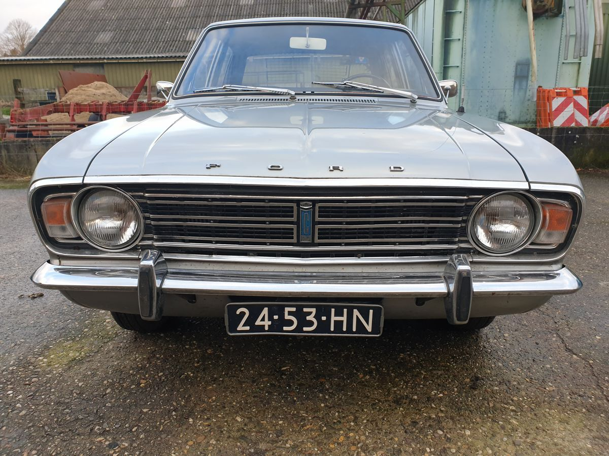Ford Cortina 1600GT (12)
