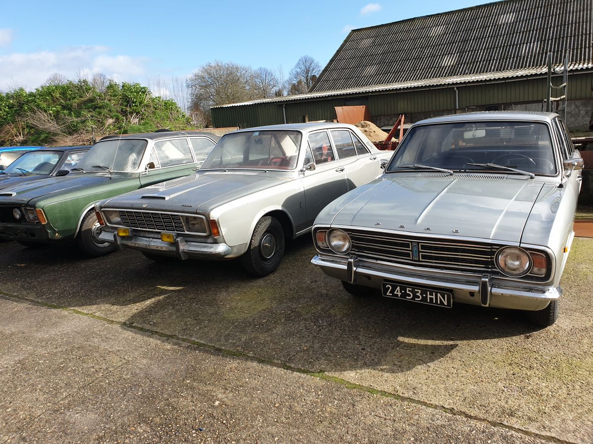 Ford Cortina 1600GT (13)